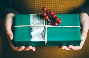Waarom Je Soms Iets Gratis Moet Weggeven (op Social Media) - Afbeelding Van Cadeau | Anneke Van Der Voort-Kruk, PRminded | Adviseur Social Media Plan | Online Profileren LinkedIn Trainer | Voor ZZP En MKB | Bavel, Breda, Tilburg