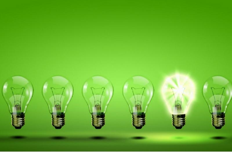 Hoe kom je aan onderwerpen voor social media berichten - afbeelding van gloeilampen | Anneke van der Voort-Kruk, PRminded | Adviseur Social Media Plan | online profileren | LinkedIn trainer | voor ZZP en MKB | Bavel, Breda, Tilburg