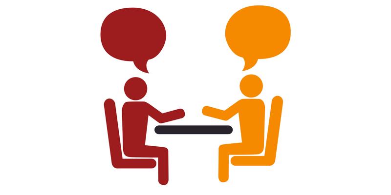 Ga in op klantvragen en maak blogs van de antwoorden - afbeelding twee mensen in gesprek | Anneke van der Voort-Kruk, PRminded | Adviseur Social Media Plan en Strategie | LinkedIn trainer | voor ZZP en MKB | Bavel, Breda, Tilburg
