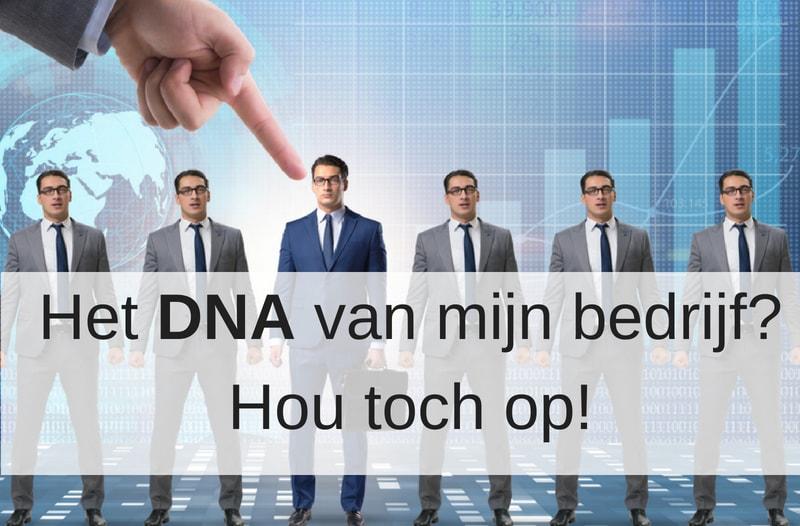Met het DNA van je bedrijf als uitgangspunt wordt social media een makkie. Zoals deze mannen op een rij waarbij er een uitspringt | Anneke van der Voort-Kruk, PRminded | Adviseur Social Media Plan | online profileren | LinkedIn trainer | voor ZZP en MKB | Bavel, Breda, Tilburg
