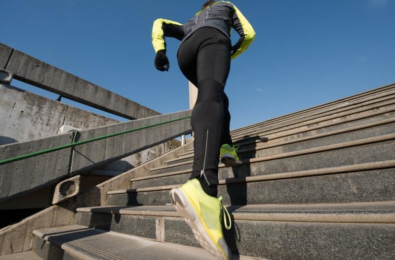 In 7 stappen authentiek klanten werven op social media - afbeelding van hardlopen | Anneke van der Voort-Kruk, PRminded | Adviseur Social Media Plan | online profileren | LinkedIn trainer | voor ZZP en MKB | Bavel, Breda, Tilburg