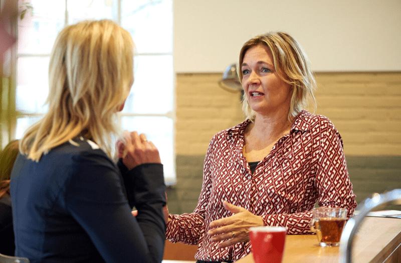 Anneke Van Der Voort In Gesprek Met Wilma Van Rooijen Van Tekstnuance | LinkedIn Trainer & Personal Branding Op LinkedIn | PRminded | Bavel, Tilburg, Breda