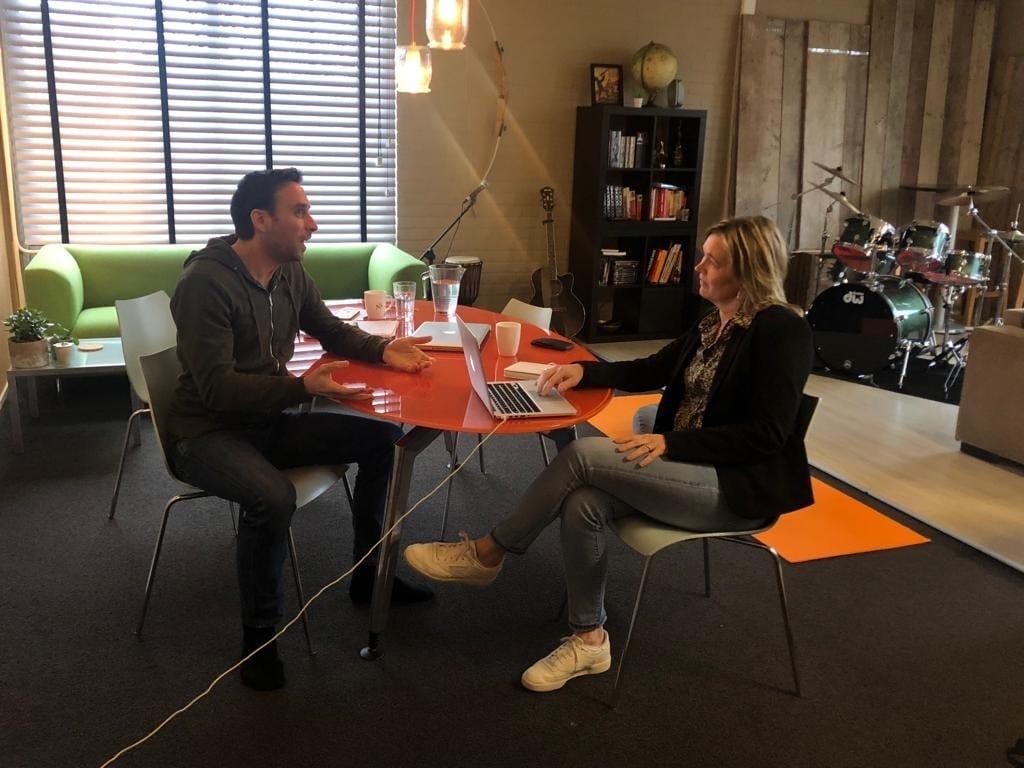 Anneke van der Voort interviewt Wijnand Geuze van LINKfotografie   LinkedIn trainer & personal branding op LinkedIn   Bavel, Breda, Tilburg
