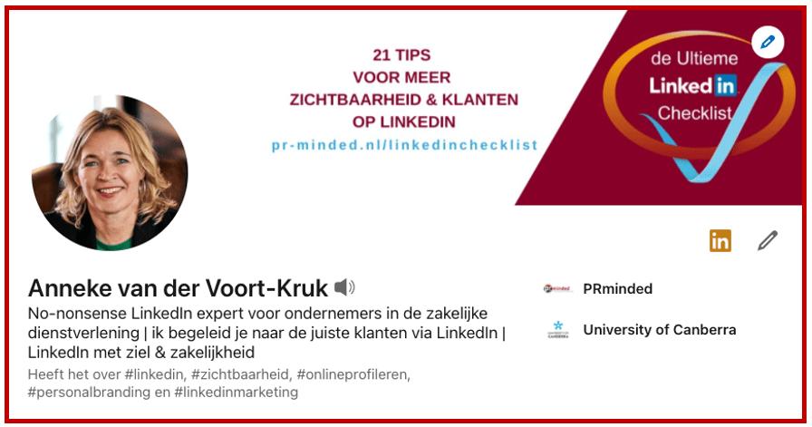 Screenshot 1e indruk LinkedIn profiel Anneke van der Voort bij blog 'LinkedIn profiel verbeteren 10 praktische tips' Anneke van der Voort met klant aan tafel | LinkedIn expert voor ondernemers | personal branding op LinkedIn | LinkedIn training voor bedrijven | Bavel, Breda, Tilburg